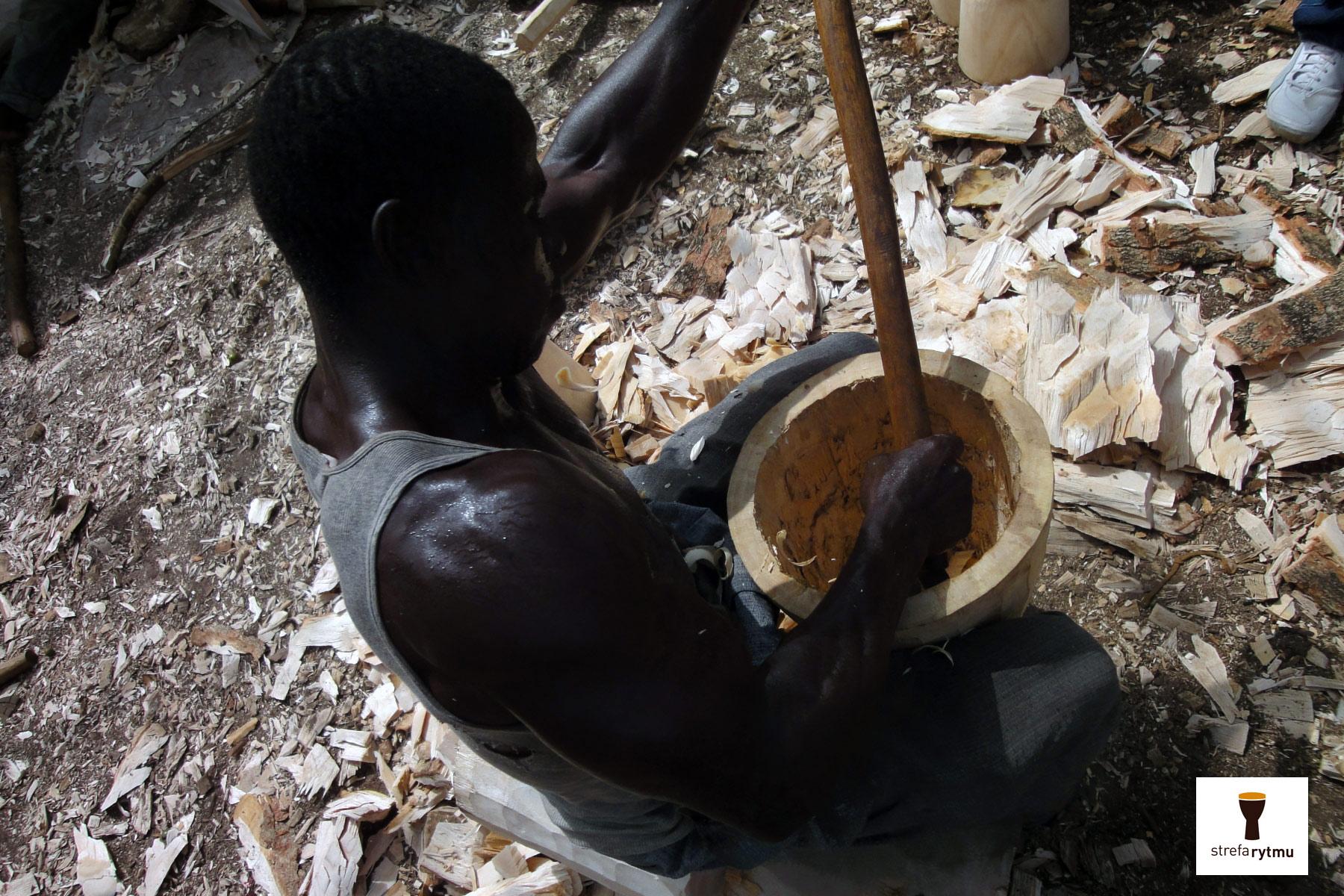 Bęben_djembe_Conakry
